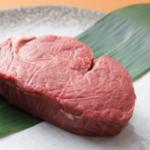 赤身肉を大量に食べた次の日に体重が減る現象は、痩せるというよりむくみが取れるから